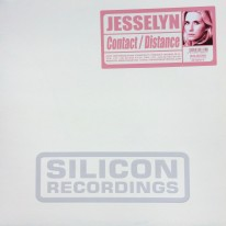 Jesselyn - Contact / Distance